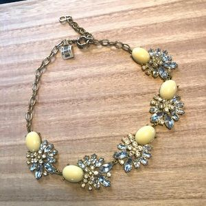 3/$20-New‼️Pale Yellow Statement Necklace